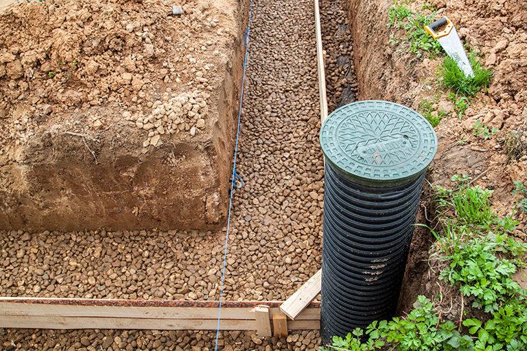 Traiter les infiltrations d'eau avec un système de drainage