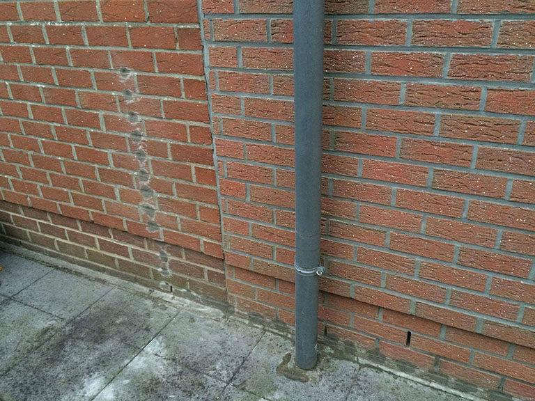 Traitement d'un garage humide par injection hydrofuge