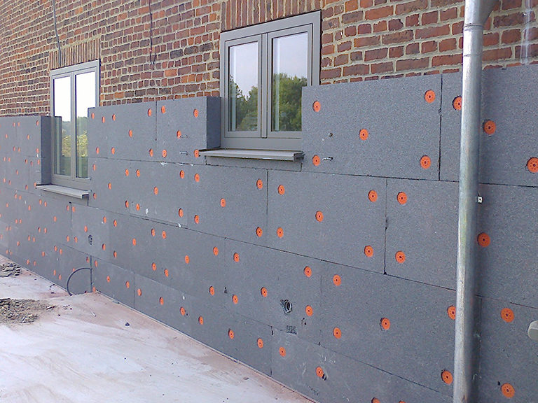 Condensation dans la maison : traitement par isolation thermique