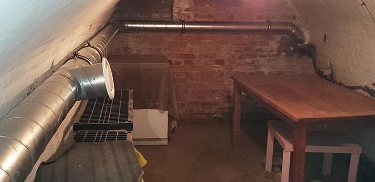 Cave humide : traitement de l'humidité par ventilation